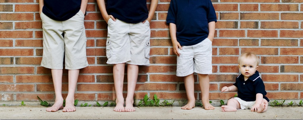 Fun feet and baby family photography by Beth Eggert